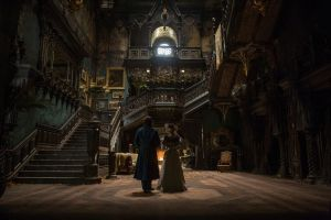 Crimson Peak: 2 featurette sui personaggi maschili e la visita alla Villa con Tom Hiddleston e Guillermo Del Toro