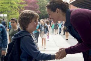 Wonder film, recensione dell'adattamento dal romanzo di RJ Palacio con Jacob Tremblay, Julia Roberts