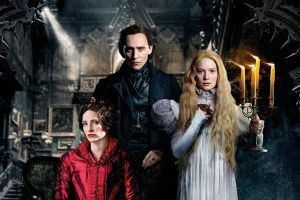 Crimson Peak al cinema: 2 featurette sulla storia d'amore e sul set della casa con Tom Hiddleston