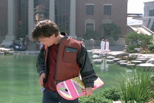 30°anniversario di Ritorno al futuro: finto spot tv del Hoverboard in commercio di Back to the future 2