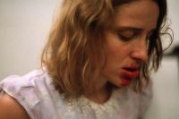 Dogtooth, podcast recensione del film di Lanthimos al cinema