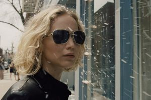 Joy Film: clip, spot inediti e una featurette con Jennifer Lawrence