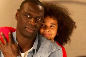 Famiglia all'improvviso film con Omar Sy: video backstage e nuova clip in italiano