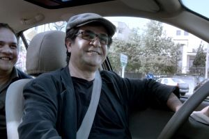 Taxi Teheran di Jafar Panahi, Orso d'oro a Berlino, in home video a gennaio in DVD