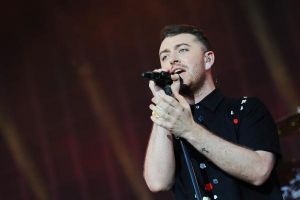 "007 Spectre: Sam Smith canterà il main theme ""Writing's On The Wall"""
