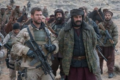12 Strong con Chris Hemsworth: valanga di clip in inglese sul film di guerra