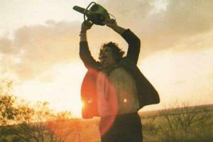 Non aprite quella porta, il cult di Tobe Hooper in home video a novembre e il sequel a dicembre