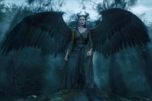 Maleficent Angelina Jolie al cinema: Aurora incontra la sua madrina, nuova clip in italiano