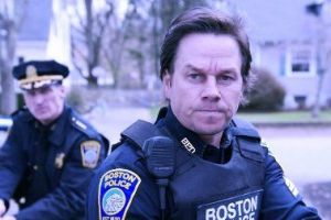 Boston caccia all'uomo al cinema: 2 clip in italiano con Mark Wahlberg, Kevin Bacon, John Goodman