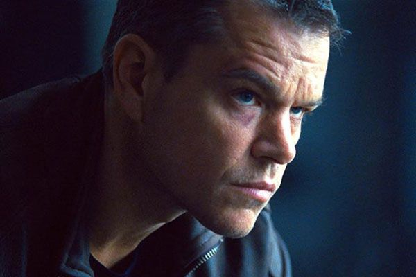 Matt Damon torna con Jason Bourne: primo doppio trailer standard e Red Band in italiano e poster