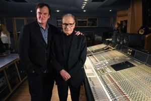 "The Hateful Eight: il premio Oscar Morricone dirige l'orchestra di Abbey Road, ""L'Ultima Diligenza per Red Rock"" versione integrale"