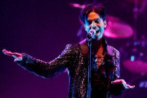 Prince Sign o' the times, film concerto al cinema a novembre: trailer e poster ufficiali