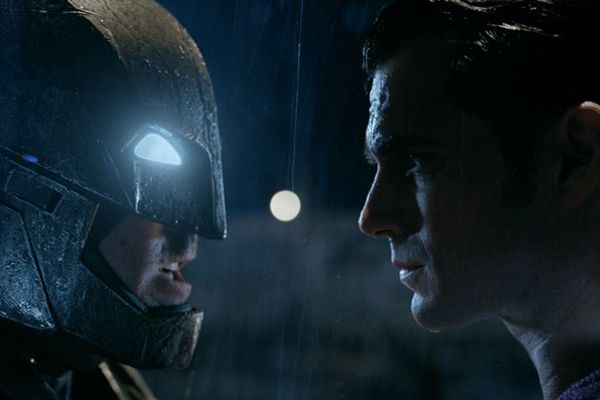 Batman V Superman - Dawn of Justice: nuovo poster e data d'uscita in Italia