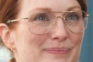 Julianne Moore protagonista di The English teacher: trama, locandina e prime foto
