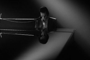 "Nick Cave One More Time with Feeling uscita al cinema: 2 clip con i brani musicali ""I need you"" e ""Jesus Alone"""