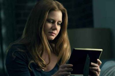 La donna alla finestra con Gary Oldman, Amy Adams e Julianne Moore: trama e trailer in italiano