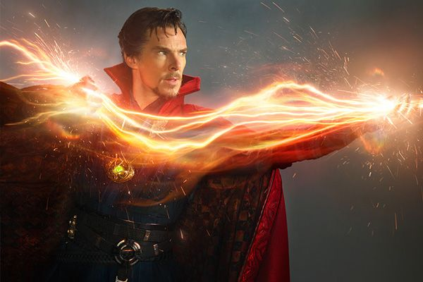 Doctor Strange con Cumberbatch in home video: clip extra sugli errori sul set del cinecomics Marvel