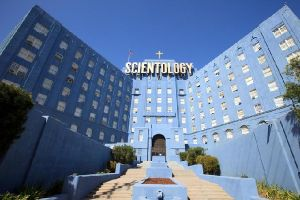 Going Clear scientology and the prison of belief al cinema distribuito da Lucky Red