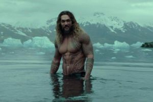 "Justice League, cinecomics DC Comics uscita cinema: 2 nuove clip e video intervista a ""Aquaman"" Jason Momoa"