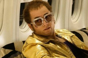 Rocketman, biopic su Sir Elton John: featurette sui costumi