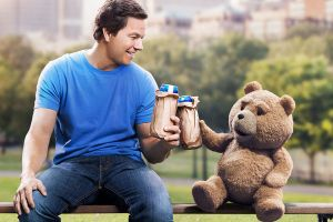 Ted 2 nuovo red band trailer con Mark Wahlberg