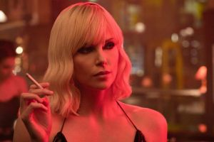 Atomica bionda con Charlize Theron uscita cinema: video intervista al regista David Leitch